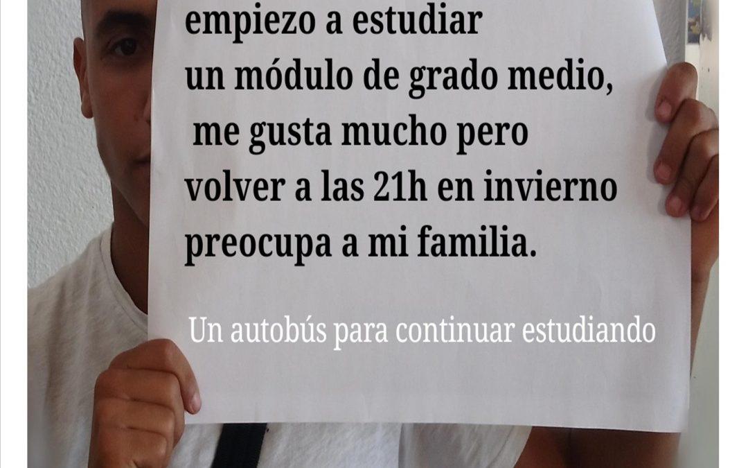 Los jóvenes de la Cañada Real reclaman una ruta escolar pública para continuar sus estudios