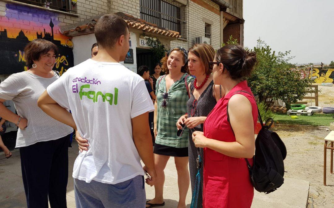 Visita de Concha Chapa al Centro Socioeducativo del Fanal en Cañada